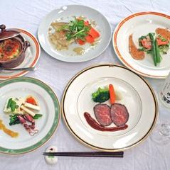 【基本プラン1泊2食付】季節の素材を使った洋食ディナーをご堪能ください♪