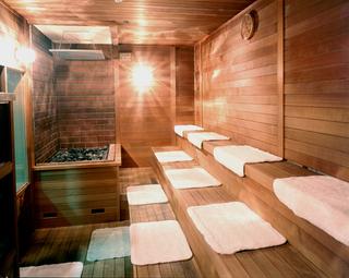 【サウナで汗をながしてスッキリ】改装したお部屋の18平米コンパクトツインオファー(素泊まり)