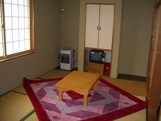 【全室禁煙】・出張応援 素泊まりでお食事は気ままに♪畳のお部屋でごろん♪和室(バス・トイレ付)利用