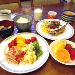 【朝食付★2大特典付】朝食バイキングは手作り豆腐など、好きなものをたっぷりどうぞ♪