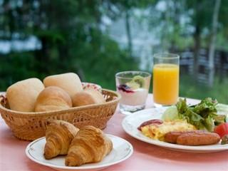 湖をながめながらのぜいたく朝食付きプラン