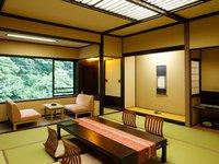 春の花見館〜大自然のパノラマを望む12.5畳の和室〜