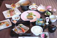 夕食グレードアップ 【四季の晩餐】 草津温泉と旬のお料理を楽しむプラン