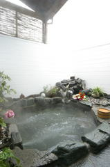 【平日限定】貸切露天風呂無料!夕方着&朝9時までに出発でお得に素泊り