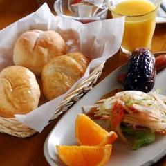 ダブル和洋室指定☆焼立てパンの1泊朝食付プラン「現金特価」