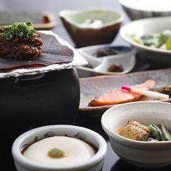 【1泊朝食・現金決済】飛騨の美味しいお米を召し上がれ♪朝食は『朴葉味噌の和定食』【Wi-Fi無料】