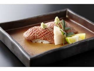The 黒毛和牛会席 炙り寿司、陶板焼、味しゃぶで!