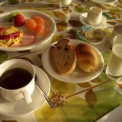 手造りパンとフレシュミルクの一泊朝食コース。
