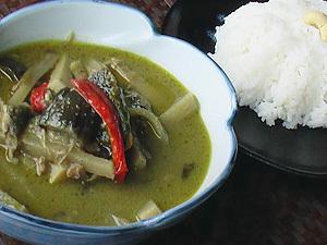 【20時迄に来てね】★タイ国料理★夜の定食付!メインはグリーンカレーか炒め物から選んでね!