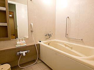 ちょっと贅沢に。1人でホテル最上階(22階)広々和室に泊まろう!