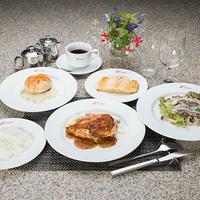 ◆2食付◆Kinta'sディナー(洋食)日替わり朝食★シーズンオフの静かな苗場でステイ