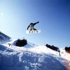 ◇食事なし◇苗場スキー場徒歩3分!リフト券も最安値でご購入◎