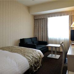 シングルルーム◆お部屋の広さ20平米・セミダブルベッド使用