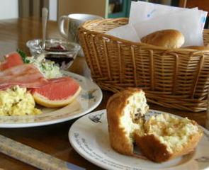1泊朝食・観光地でおいしいものを食べてからおこしください。