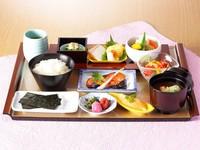一日の活力をホテルのおいしい朝食で♪【朝食付プラン】