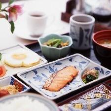 当ホテル人気のご朝食付きプラン ☆ 倉敷駅から徒歩2分 ☆ 駐車場無料完備