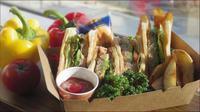 【お部屋で朝食】〜ホテル特製☆マグロハンバーグとアボカドのヘルシーサンドBOX〜