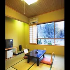 湯めぐり本館 10畳和室(トイレ・洗面・冷蔵冷凍庫付)
