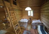 本格カナダのログビルダーが建てた離れのログハウスで別荘気分。