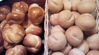 yazipenのB&Bプラン 好評手作りパンとたっぷりお野菜の美味しい朝食