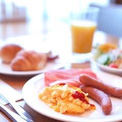 【楽天限定】楽しい1日は朝食バイキングから♪人気メニューを味わおうヽ(`・ω・´)ノ<朝食付>