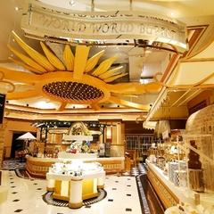 【みんなで!ホテルバイキングを楽しもう☆】種類豊富な料理やデザートで大満足!<夕朝食付>