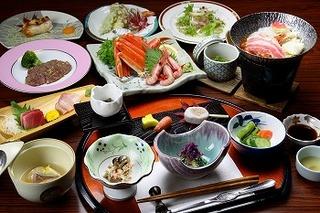 【グルメなお料理♪】甘えび・ズワイガニ盛り込み付き!日本海の幸&妙高コシヒカリ