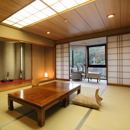 【部屋食確約】日本庭園に面した和室12...