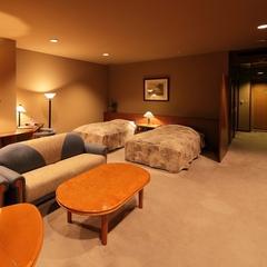 【バリアフリータイプ】庭園散策できる1階のツインベッドルーム