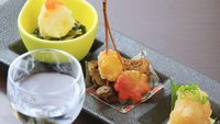【ライト創作料理】ジューシーな陶板焼きの地鶏味わう。女性やお酒がメインの方に人気<ライト▼創作料理>