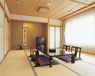 【西館和室広々12畳タイプ】風呂・トイレ付 ※階段利用
