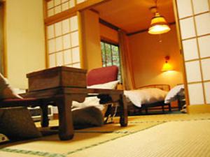 【寛ぎの和室とベッドで快適な部屋】別館 和室6畳+洋室6畳