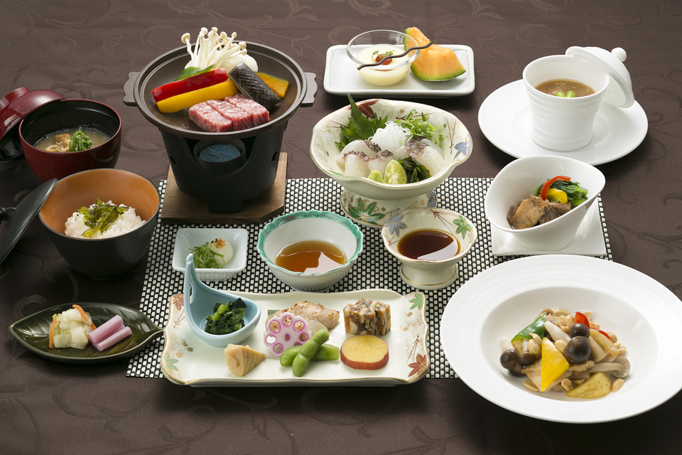 千秋閣料理長おすすめ「徳島満喫コース」1泊2食つき♪