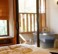 露天風呂付客室で特別な気分 プライベート性重視