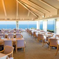 【基本プラン】 夕食:和洋折衷『玻名城会席』 / 朝食:太平洋を望むレストランで『琉球バイキング』