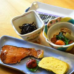 一人旅やビジネスにも便利!夕食は外で自由にとれる朝食付プラン【現金特価】