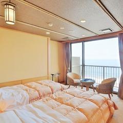 絶景オーシャンビューの8畳ツインベッドルーム【ベランダあり】