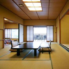 【タイプ3】月見台&展望檜風呂付和室12畳+6畳(63平米)