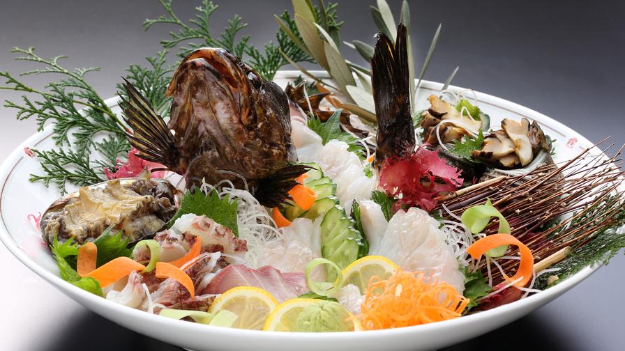 【活造り+飲み放題】瀬戸内の新鮮な旬魚の活造りをビールや日本酒でお腹いっぱい楽しもう!