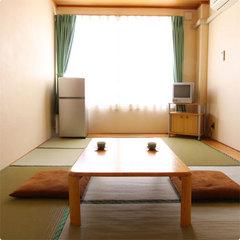 和室10畳(トイレ付・お風呂は一晩中ご入浴可能な温泉浴室を)