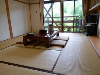 和室6畳または10畳