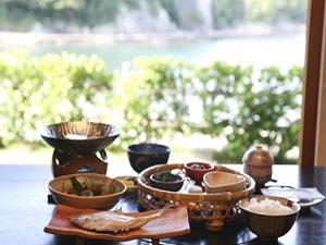 【ビジネス&プライベートで】癒し宿で自然を満喫☆お一人様専用◆素泊まり朝食付きプラン(夕食なし)