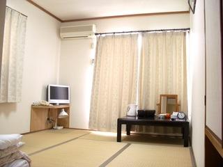 【家庭的なおもてなし】和室6畳(バス・トイレ付)