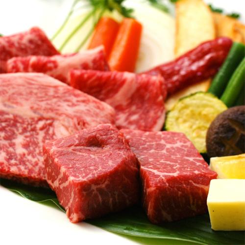 【*萩のブランド牛を食べ比べ*】厳選した3種の長萩和牛(150g)を熱々の陶板焼きで贅沢に。
