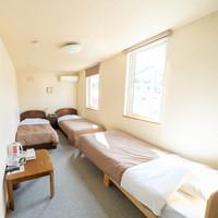 【本館】洋室/最大3名/ベッド3台/共用バス・トイレ