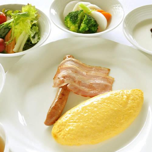 高原の美味しいご朝食〜シェフが目の前でオムレツをお作りするライブキッチンが人気!(ご朝食付)