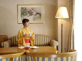 【3000円分の館内利用券付♪】女子旅プラン≪メイン料理チキン&バイキングディナー≫