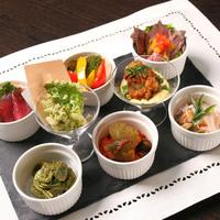 パスタのお手軽なご夕食〜冷菜8種プレート付(メイン料理無し)