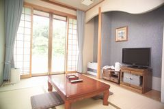 自炊棟側和室6畳(14平方メートル喫煙)