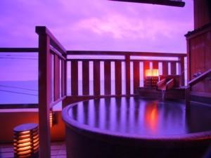 【ひいなで一番人気の】海一望 10畳 陶器製 露天風呂付客室